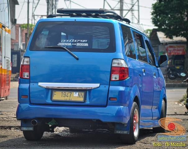 Mobil MPV/APV yang dimodif atau karoseri angkot gans...monggo diintips