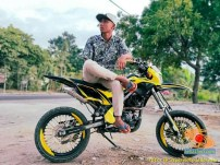 Foto modifikasi supermoto warna kuning brosis