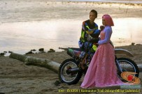 Kumpulan foto romantisme anak motor trail maupun prewedding biker (1)