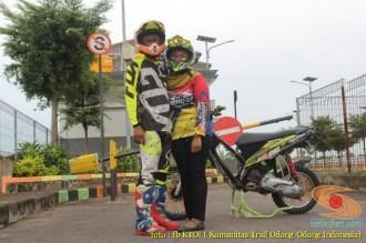 Kumpulan foto romantisme anak motor trail maupun prewedding biker (32)