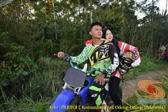 Kumpulan foto romantisme anak motor trail maupun prewedding biker (42)