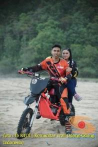 Kumpulan foto romantisme anak motor trail maupun prewedding biker (46)