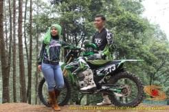 Kumpulan foto romantisme anak motor trail maupun prewedding biker (48)