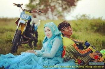 Kumpulan foto romantisme anak motor trail maupun prewedding biker (53)