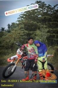 Kumpulan foto romantisme anak motor trail maupun prewedding biker (67)