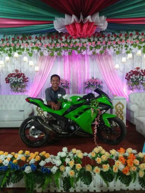 Motor-motor ini menjadi saksi perkawinan biker brosis...