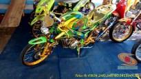 Modifikasi Yamaha Vixion warna kuning brosis (4)