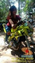 Modifikasi Yamaha Vixion warna kuning brosis (7)