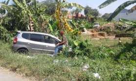 mobil kecelakaan di sawah (5)