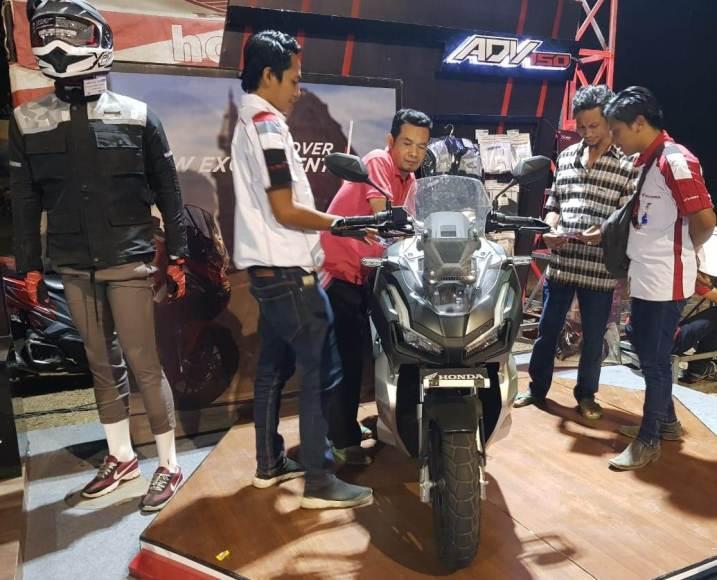 Promo akhir tahun Honda PCX150 dan Honda ADV150 dari MPM brosis