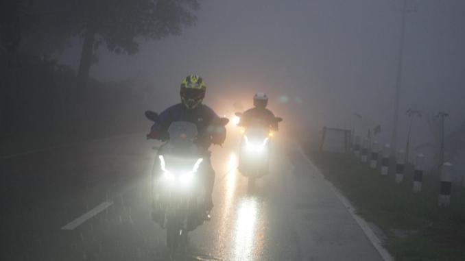 Persiapan dan Teknik naik motor saat Musim Hujan, khusus biker