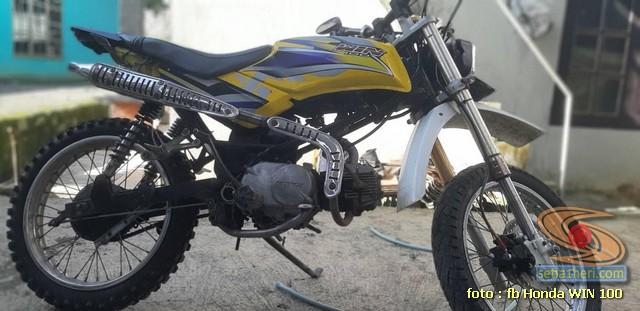 Foto- Foto modifikasi motor Honda Win jadi motor trail tahun 2020 (15)