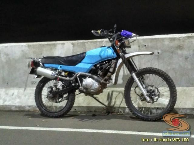 Foto- Foto modifikasi motor Honda Win jadi motor trail tahun 2020 (27)