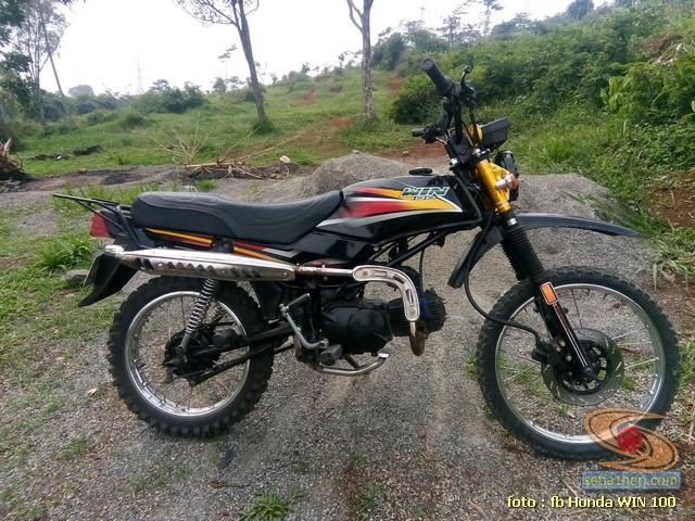 Foto- Foto modifikasi motor Honda Win jadi motor trail tahun 2020 (6)