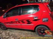 Kumpulan foto modifikasi cutting sticker mobil Agya dan Ayla tahun 2020 (7)