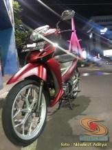 Modifikasi Honda Supra X 125 warna merah mazda silver brosis (5)