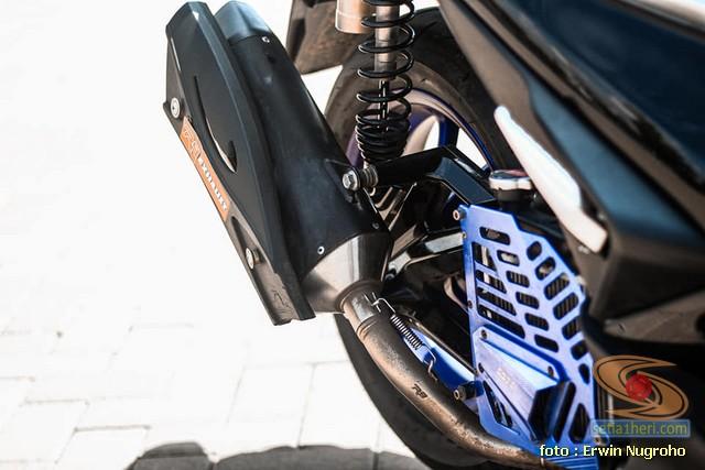 Upgrade Yamaha Aerox tipis-tipis tampak manis brosis.