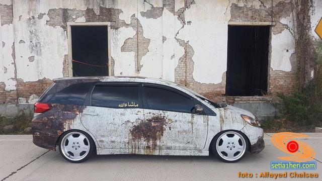 Modif karatan Mobilio E CVT lansiran tahun 2014 punya bro Alfayed Chelsea asal Jakarta (2)