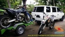 Ragam cara bawa sepeda motor dibelakang mobil, monggo diintips brosis.. (2)
