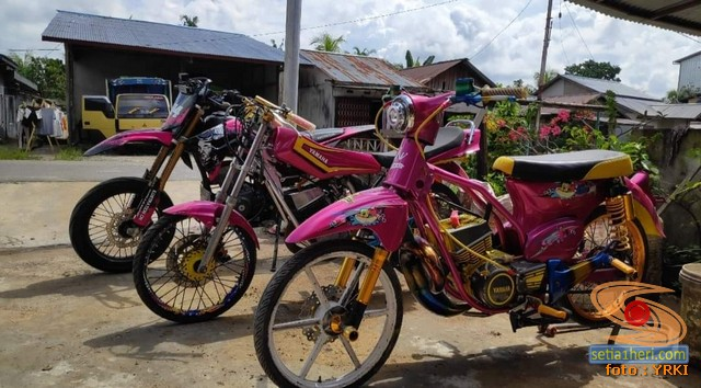 Modifikasi Yamaha RX King berubah jadi motor bebek retro klasik atau swap engine
