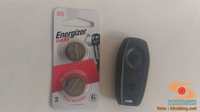 Ganti baterai remote suzuki gsx r150 setelah 2 tahun pemakaian brosis.. (2)
