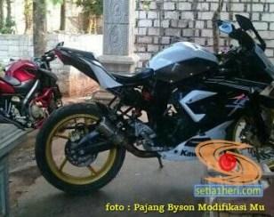 Kumpulan inspirasi Modifikasi Yamaha Byson full fairing (4)