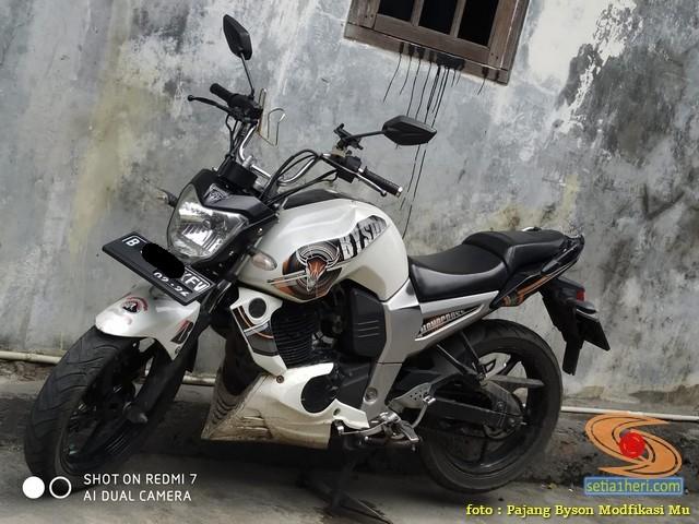 Modif Yamaha byson pakai stang tinggi punya honda tiger revo brosis. (1)