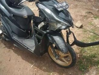 biker tewas kecelakaan di perlintasan Kokrosono semarang hari jum'at 15 juli 2016 (2)