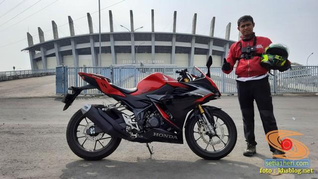 Njajal Numpak Honda CBR150R terbaru 2021 ke Gelora Bung Tomo dan Gelora Joko Samudro Gresik (5)