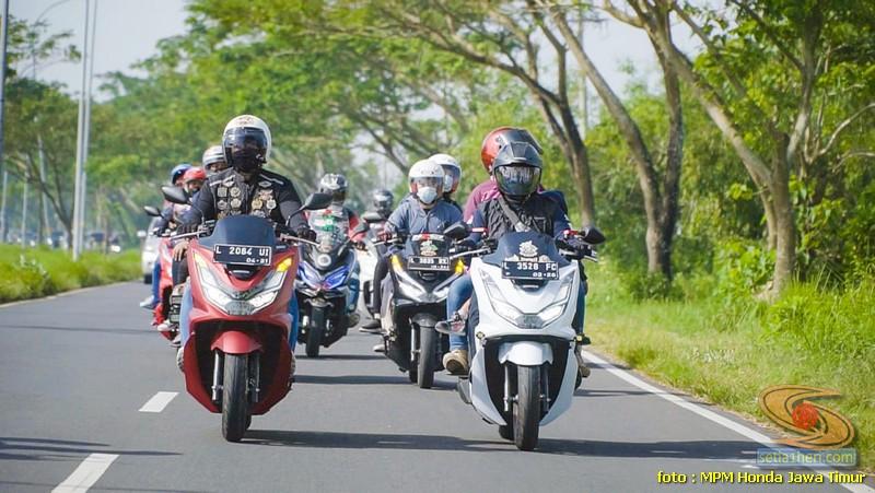 Kopdargab ke-4 biker Honda PCX Jawa Timur 2021 di Pantai Camplong, Madura