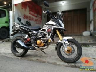 Wow kerenn...Honda CS1 tahun 2012 modif Africa Twin versi lite gans..
