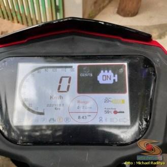 Pengalaman naik motor listrik GESITS yang wajahnya mirip Honda Vario 125 old (2)