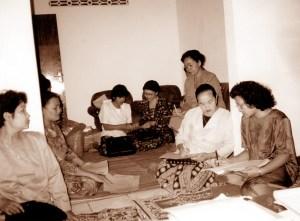 Pertemuan kelompok tahun delapan puluhan