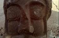 تندیس مرد باستانی در مسجدسلیمان