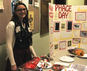 Sarah Sokol presents her research on phages. Together with Minnu Suresh they finished the project as a part of their honors capstone.