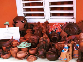 Some of the sculpted artwork students got to see at the artisan in Jarabacoa. Photo courtesy of R.Whiteman