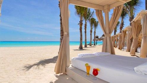 cancun-omni-cancun-hotel-beach-bed