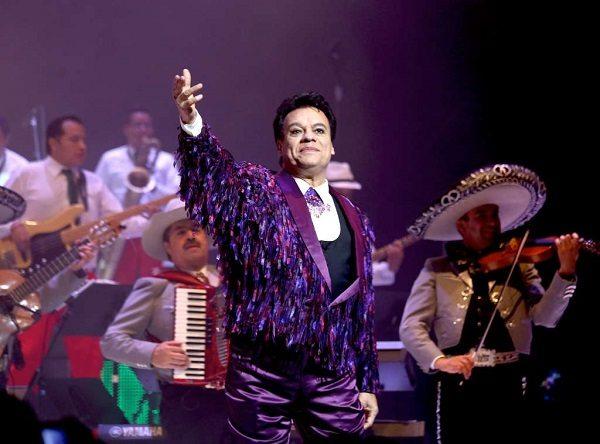 Juan Gabriel inaugurará el nuevo centro de espectáculos Acrópolis, en Puebla