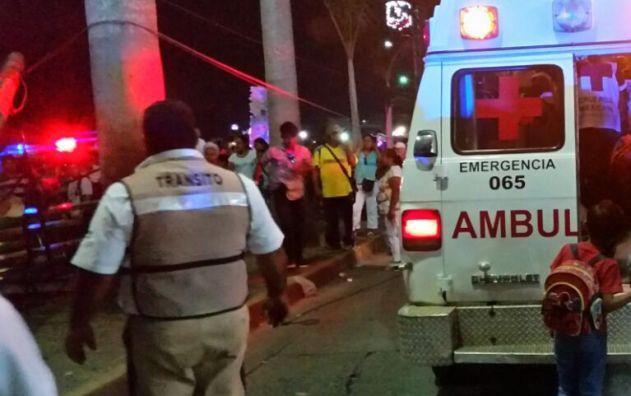Siete lesionados al caer de una plataforma en Veracruz