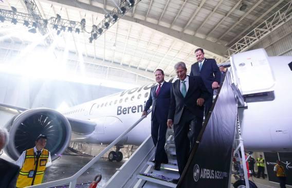 Anuncia Eruviel vuelo de Toluca a Tijuana