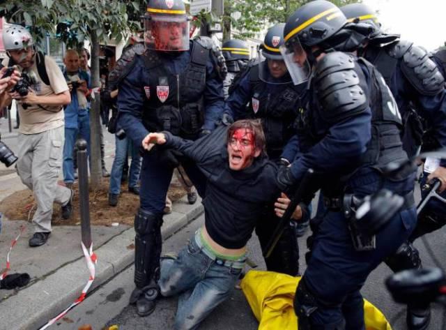 Violenta protesta contra reforma laboral en Francia