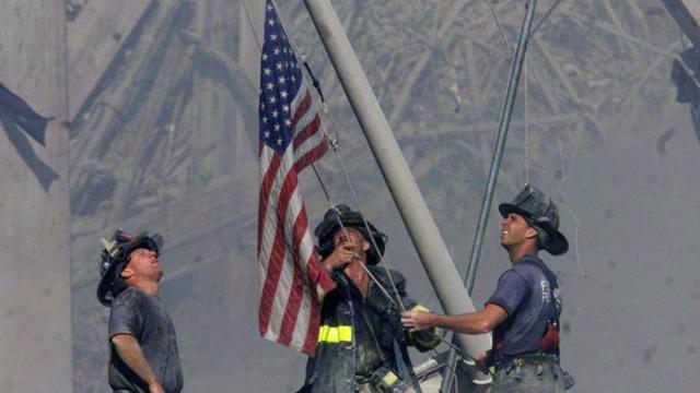 Bandera estadounidense desaparecida de la Zona Cero regresa