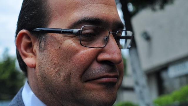 Suspende los derechos partidistas al gobernador Javier Duarte