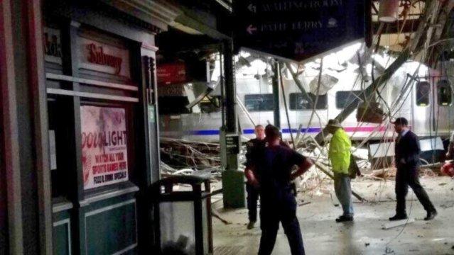 Tren de pasajeros se estrella en Nueva Jersey; hay 3 muerto y más de 200 heridos