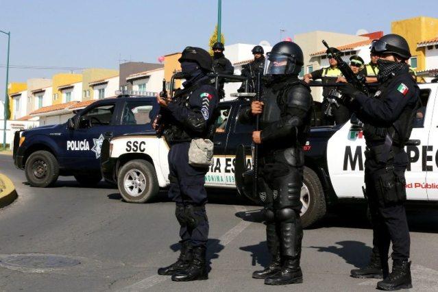 Frusta policía de Metepec violento asalto y recupera vehículo tras persecución