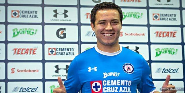"""Presentan al """"Cubo"""" Torres con Cruz Azul"""