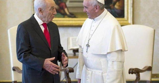El papa francisco deseó que la memoria de Shimon Peres inspire a trabajar por la paz