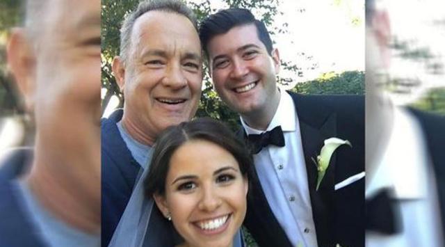 Tom Hanks felicita a recién casados y se hace viral