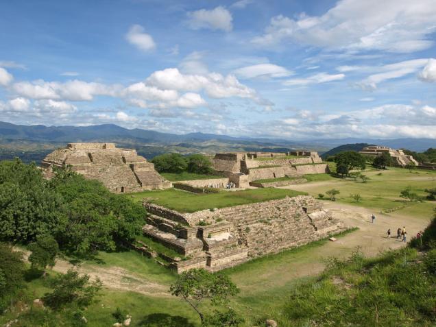 Monte Albán es un sitio arqueológico localizado a 10 km de la ciudad de Oaxaca de Juárez. Foto: commons.wikimedia.org