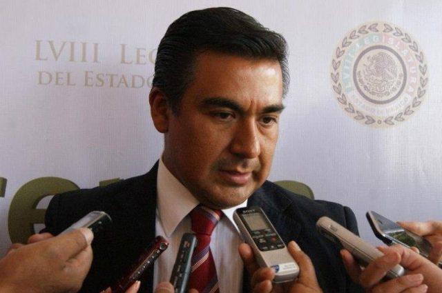 Exigen al Gobernador del Estado de México dé su Informe en el Congreso local